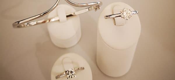 verschiedene silber ringe bei arthur reicher